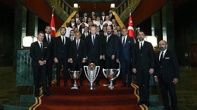 Şampiyon Beşiktaş Külliye'de