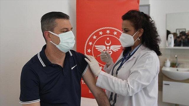 تركيا تبدأ الجمعة بتطعيم فئات مهنية جديدة بلقاح كورونا