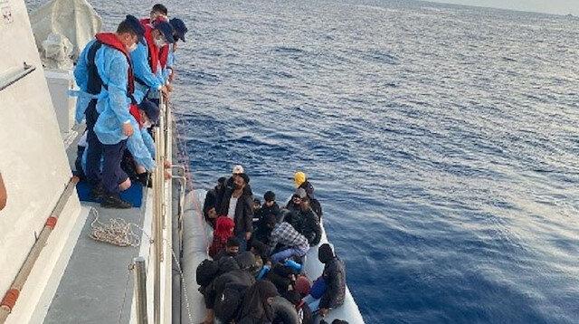 تركيا.. إنقاذ 31 طالب لجوء قبالة سواحل إزمير
