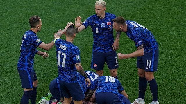 Slovakya'dan<br> 3 puanlı başlangıç