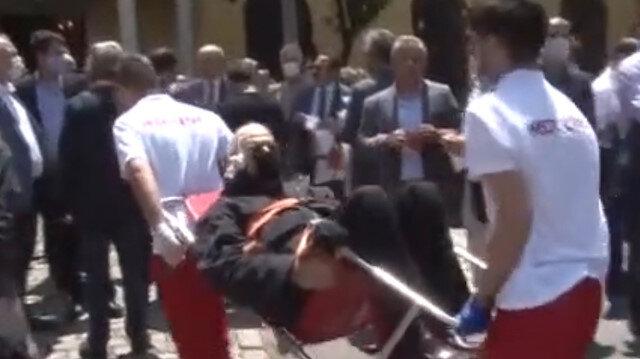 Galatasaraylı üye oy kullanmaya sedye ile geldi