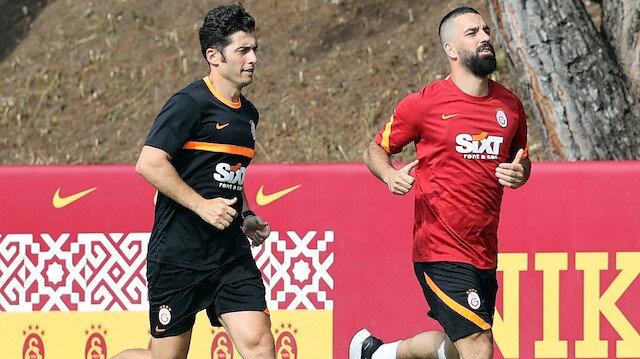 Sözleşmesi biten Arda Turan Galatasaray'da kaldı