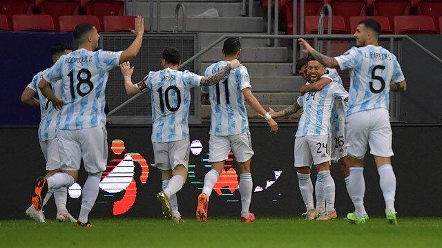 Kupa Amerika'da Arjantin ve Şili çeyrek finale yükseldi