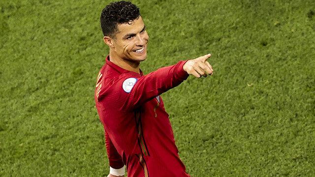 Ronaldo'nun 'idol' dediği futbolcu Ali Daei