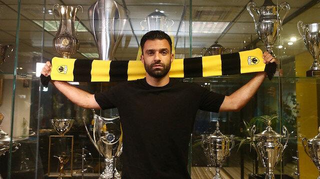 Georgios Tzavellas AEK'ya transfer oldu