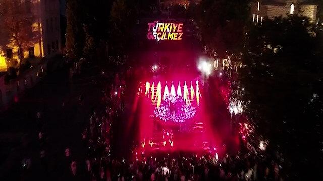 Ayasofya Meydanı'nda '15 Temmuz' mapping ve ışık gösterisi