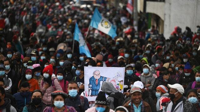 غواتيمالا..مظاهرات تطالب الرئيس والمدعي العام بالتنحي