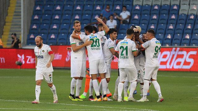 Alanyaspor lige Başakşehir galibiyetiyle başladı