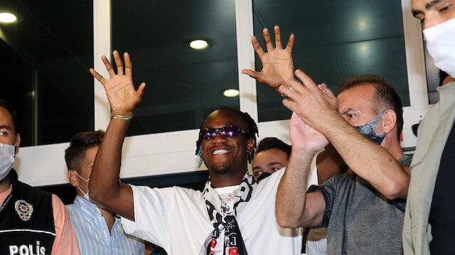 Michy Batshuayi resmen Beşiktaş'ta: Sözleşme detayları açıklandı