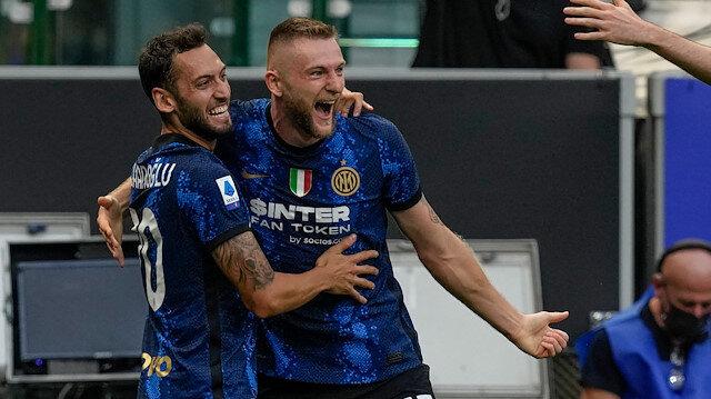Hakan Çalhanoğlu Inter'de fırtına gibi başladı: Müthiş gol (VİDEO)