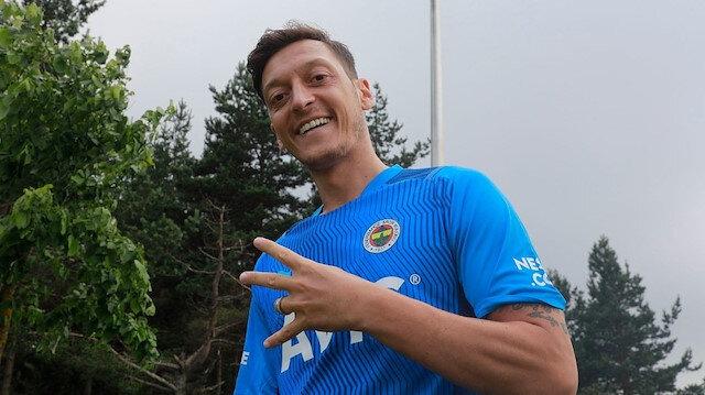 Mesut Özil'den Fenerbahçeli yıldıza övgü dolu sözler