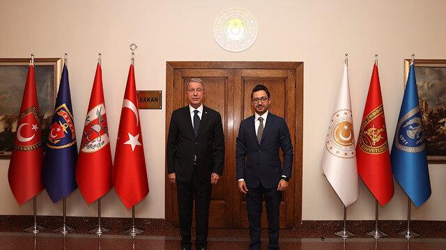 وزير الدفاع التركي يلتقي مدير عام الأناضول