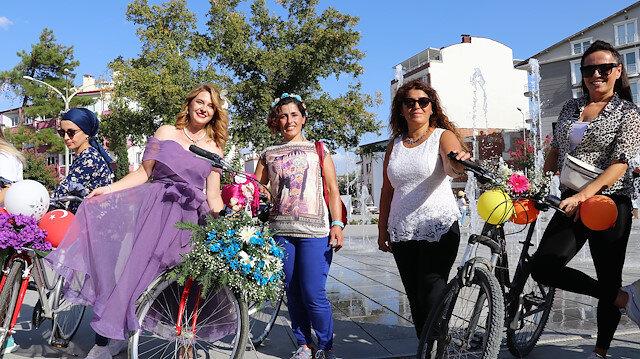 """تركيات يحتفلن بـ""""اليوم العالمي للمدن بدون سيارات"""""""