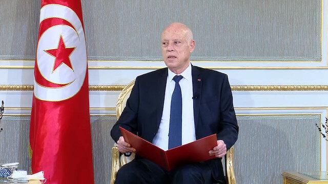 رئيس تونس يعزّز صلاحياته على حساب البرلمان والحكومة