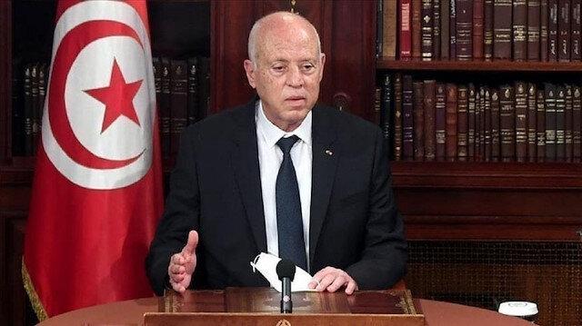 """""""بدون إعلان"""".. الرئيس التونسي يتجه لإلغاء الدستور"""