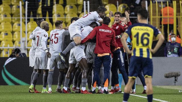 Fenerbahçe Kadıköy'de dağıldı