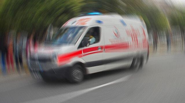Ankara'da otomobil ile çarpışan ambulans devrildi: 3 yaralı