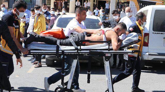 Şanlıurfa'da duruşma sonrası adliye önünde kavga: 2 kişi yaralandı