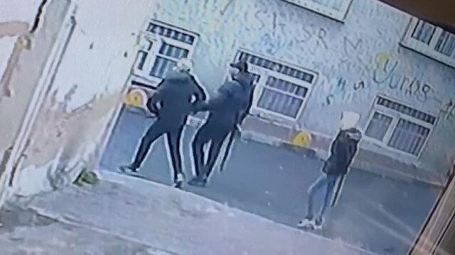 İstanbul'da sokak ortasında silahlı çatışma