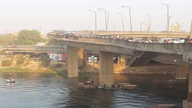"""بعد بحث أسبوع.. النيابة المصرية تحل لغز """"الحافلة المفقودة"""" بالنيل"""
