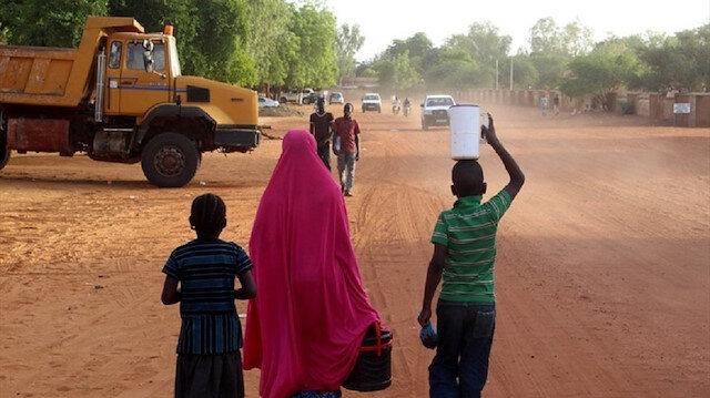 """""""الفقر"""".. مرض النيجر المزمن"""