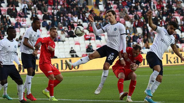 Adana Demirspor 1 puanı son dakikada aldı