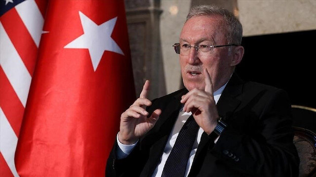 "سفير أنقرة بواشنطن يزور معرض ""جوائز إسطنبول"""