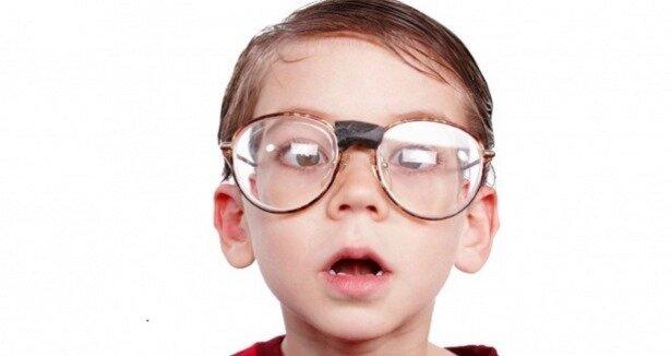 Hatalı gözlük şaşı yapıyor!