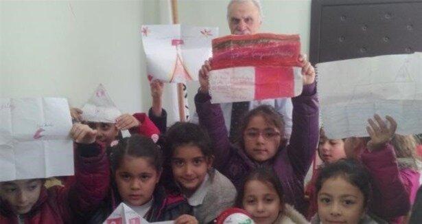 Minik öğrenciler harçlıklarını Kızılay'a bağışladı