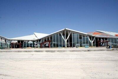 Kars Havaalanı'nda hummalı çalışma