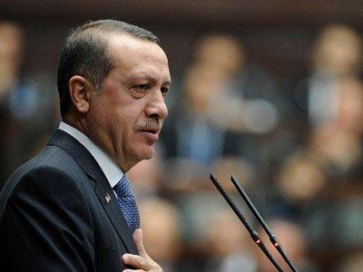 Erdoğan otoriter, AK Parti devletli olabilir mi?