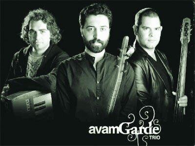 Seslerin uyumunun peşinde: Avam Garde Trio