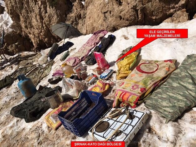 Weapons and explosives seized by Turkish Army in Kato