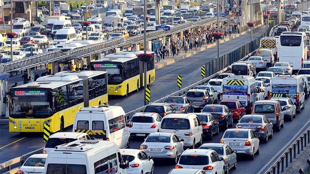 Akıllı uygulamalarla trafik yoğunluğu azalıyor, güvenlik artıyor.