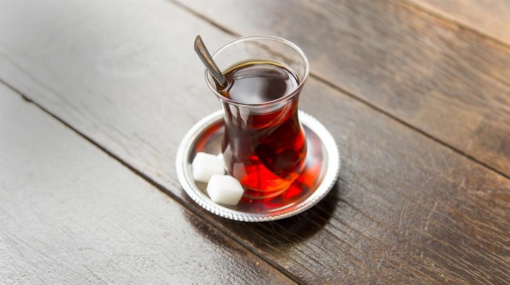 Şeker vücudumuzda karaciğer tarafından metabolize ediliyor ve bu da karaciğerin daha fazla çalışması anlamına geliyor.