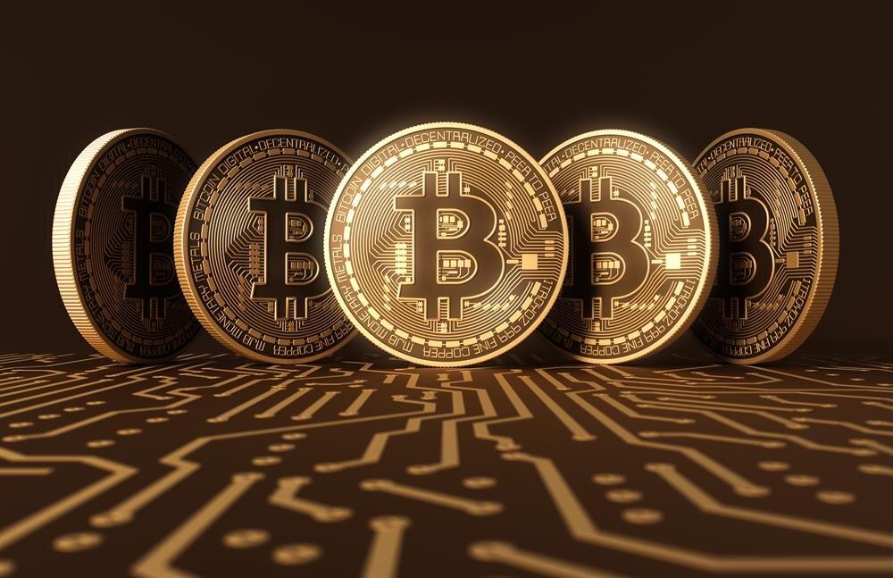 Birim fiyatı 5 bin doları aşan Bitcoin'in, günlük hayatta yaygın bir şekilde kullanılmaya başlamasıyla çok daha değerleneceği öngörülüyor.