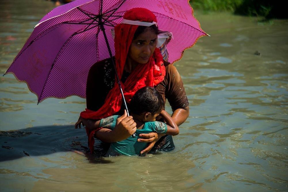 بالصور | مسلمو الروهينغيا يواصلون الفرار من جيش ميانمار