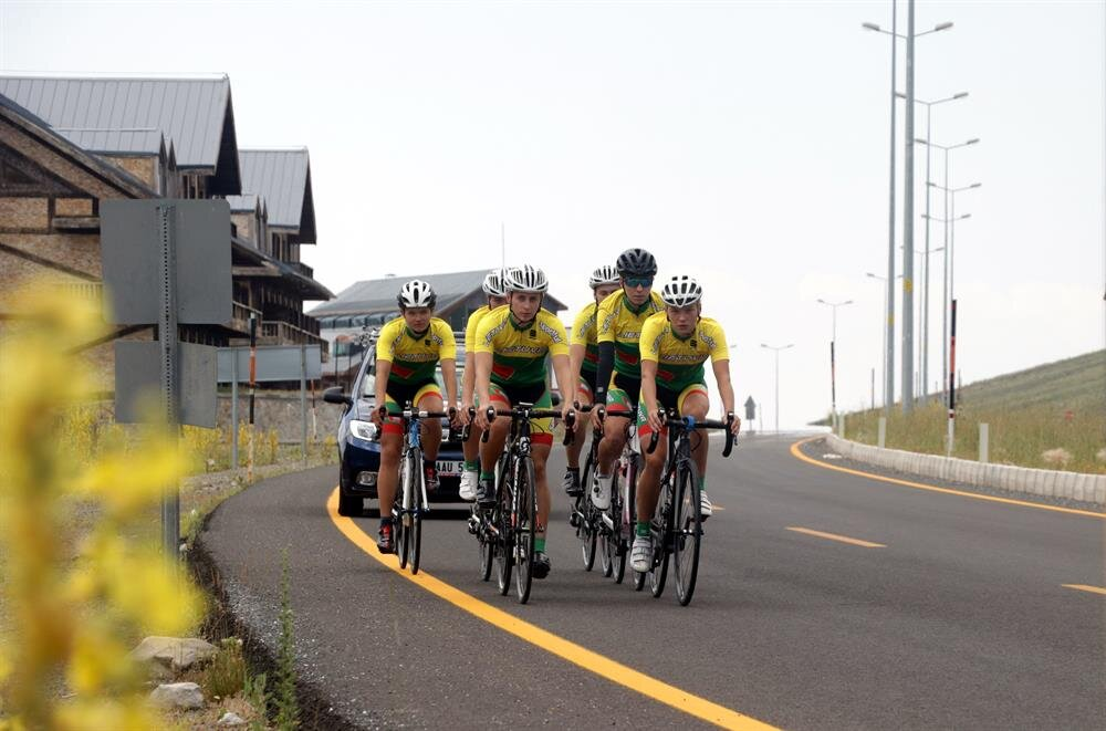 Turkey's Mount Erciyes attracts foreign cycling enthusiasts