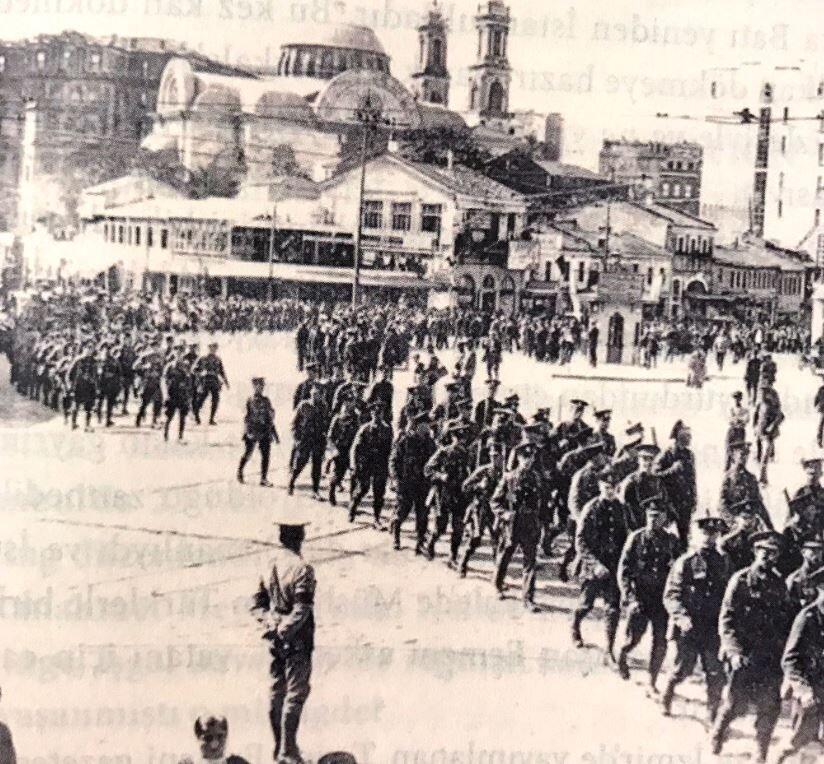 İtilaf güçleri İstanbul'u terk etti ile ilgili görsel sonucu