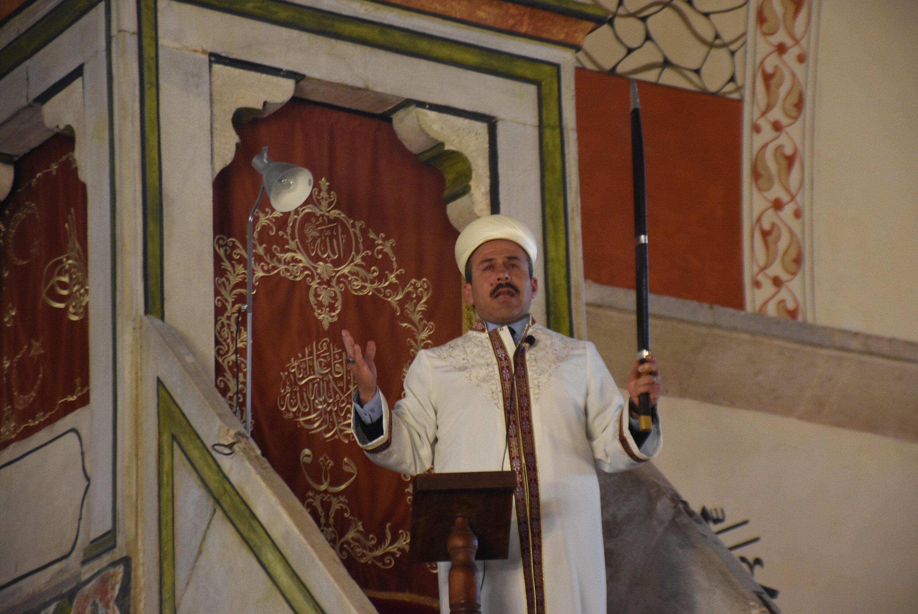 Картинки по запросу kılıçla hutbe , Edirne Eski Camii