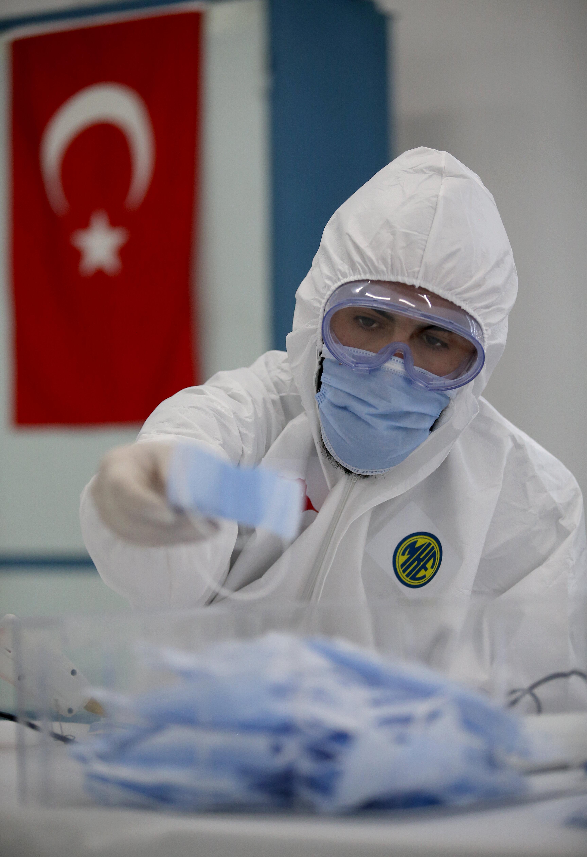 Turkey producing 1M masks every week amid pandemic