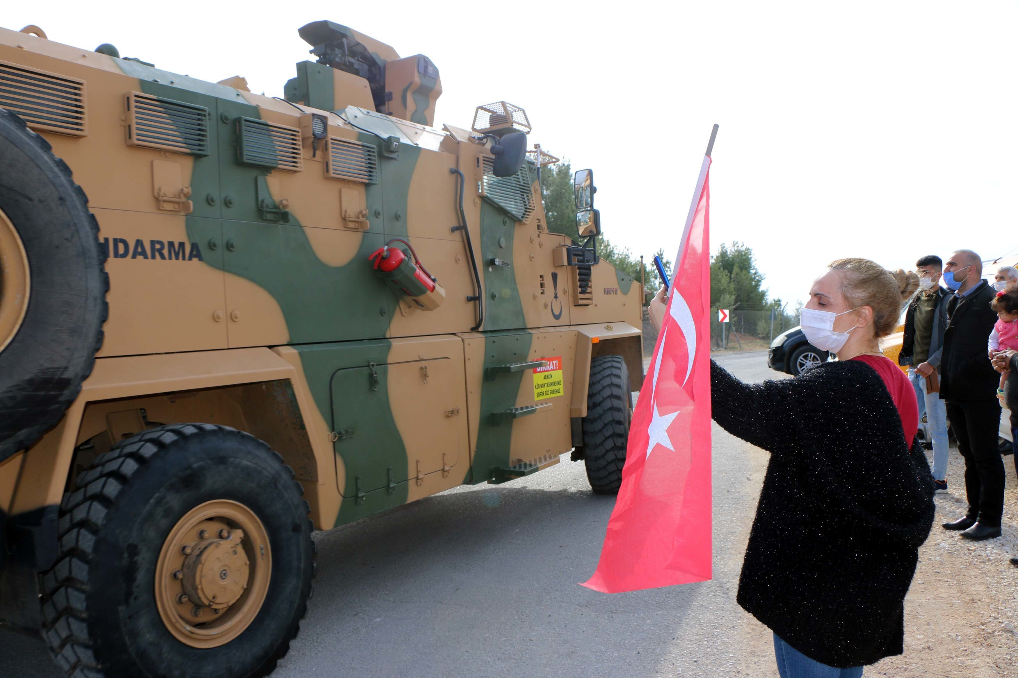 Over 240 Turkish soldiers sent off to Syria with hugs and prayers