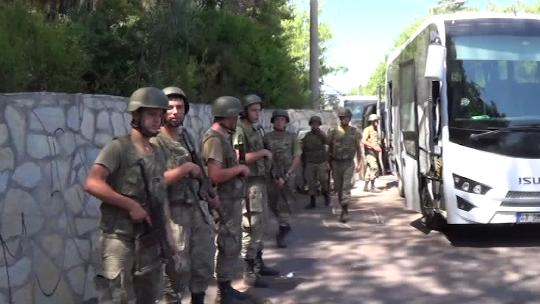 Suikast timinden 2 asker yakalandı