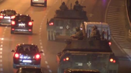 Tanklar savaş mühimmatıyla yola çıktı