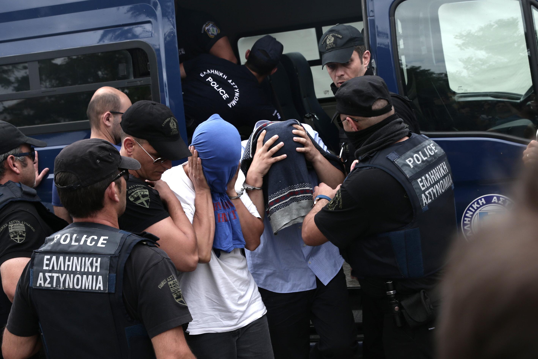 Duruşmanın ertelenme kararının açıklanmasının ardından darbeciler yoğun güvenlik önlemleri altında gözaltında tutuldukları Ferecik Hapishanesi'ne sevk edildi.