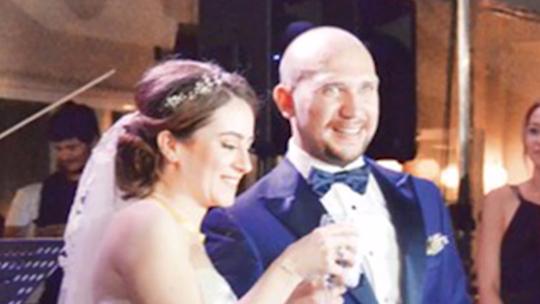 Komuta kademesine düğün baskını