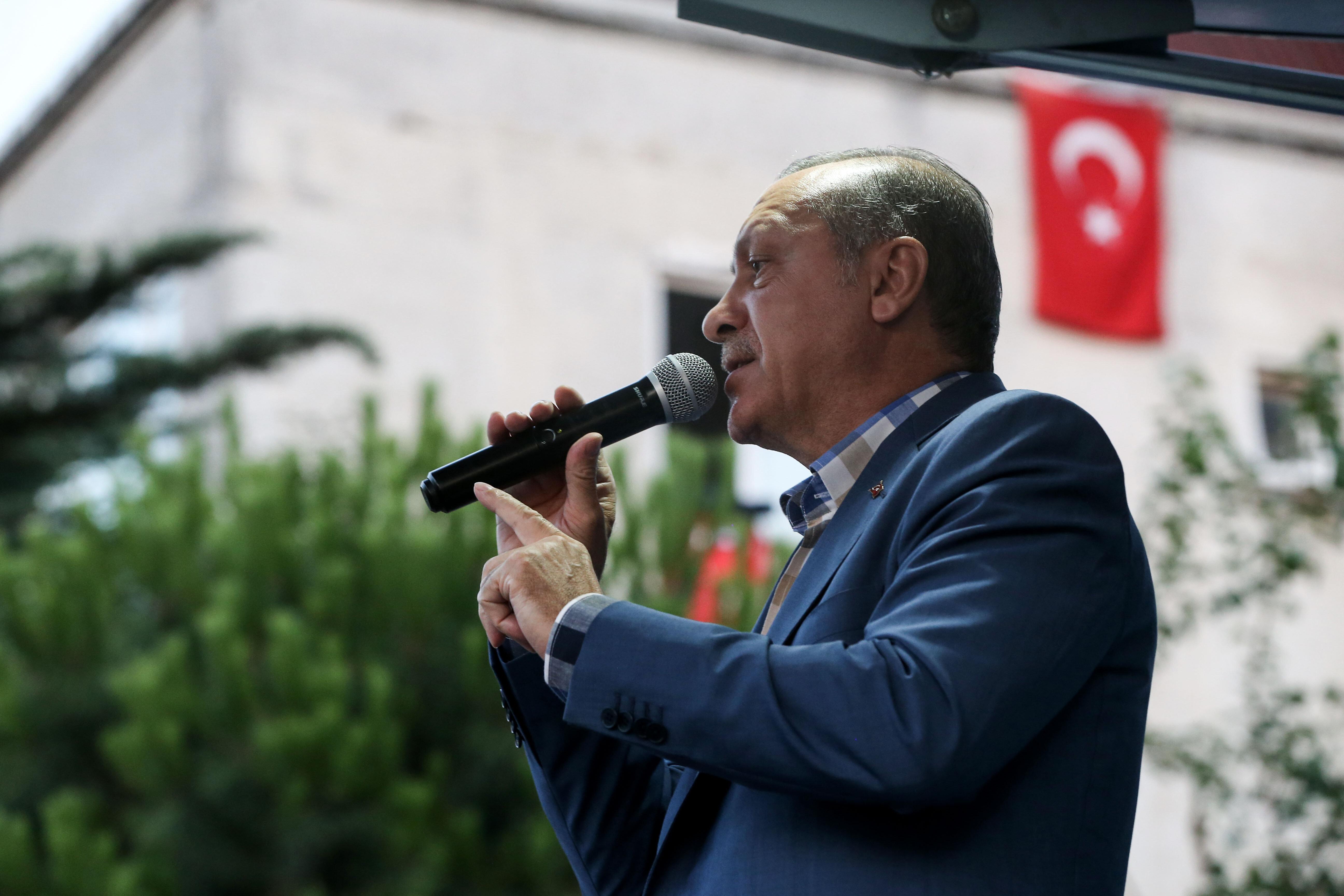Cumhurbaşkanı Recep Tayyip Erdoğan, Türkiye'nin  Paralel Devlet Yapılanması'ndan çok çektiğini belirterek,