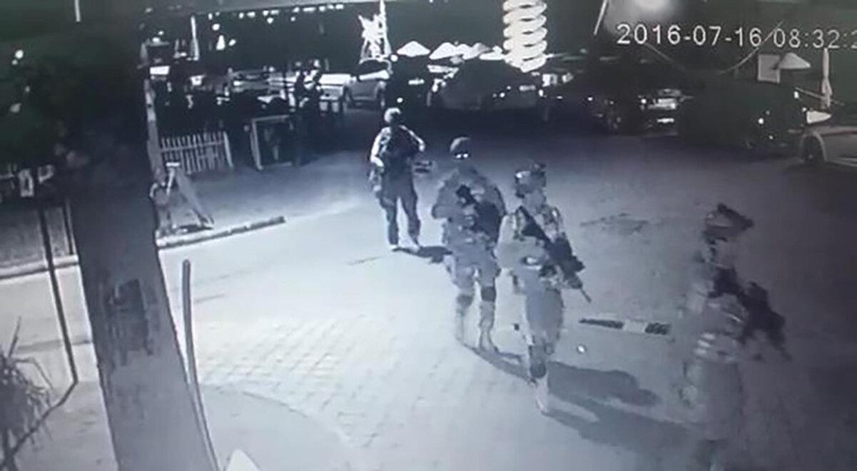 Cumhurbaşkanı Erdoğan'a suikast için gelen askerler Marmaris'te otelin olduğu yere vardı.