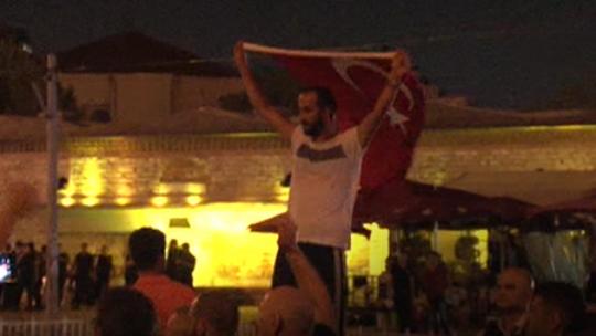 Taksim'de kanlı mücadele