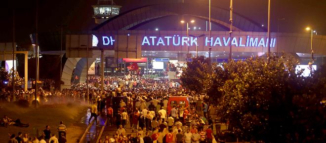 Erdoğan'ın Atatürk Havalimanı'na gelişi
